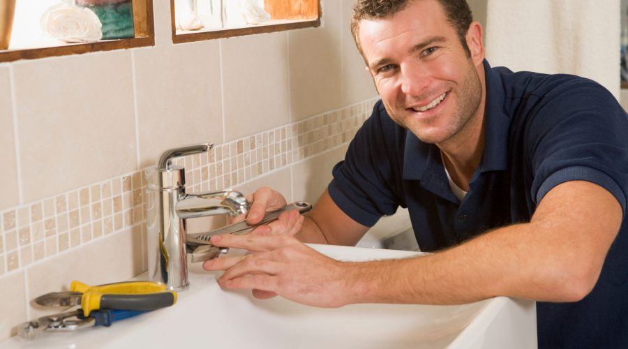 Important DIY Plumbing Tips For Stay-at-Home Summer